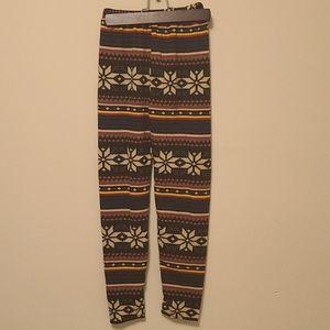 SALE - 💜3/$15 - Patterned leggings